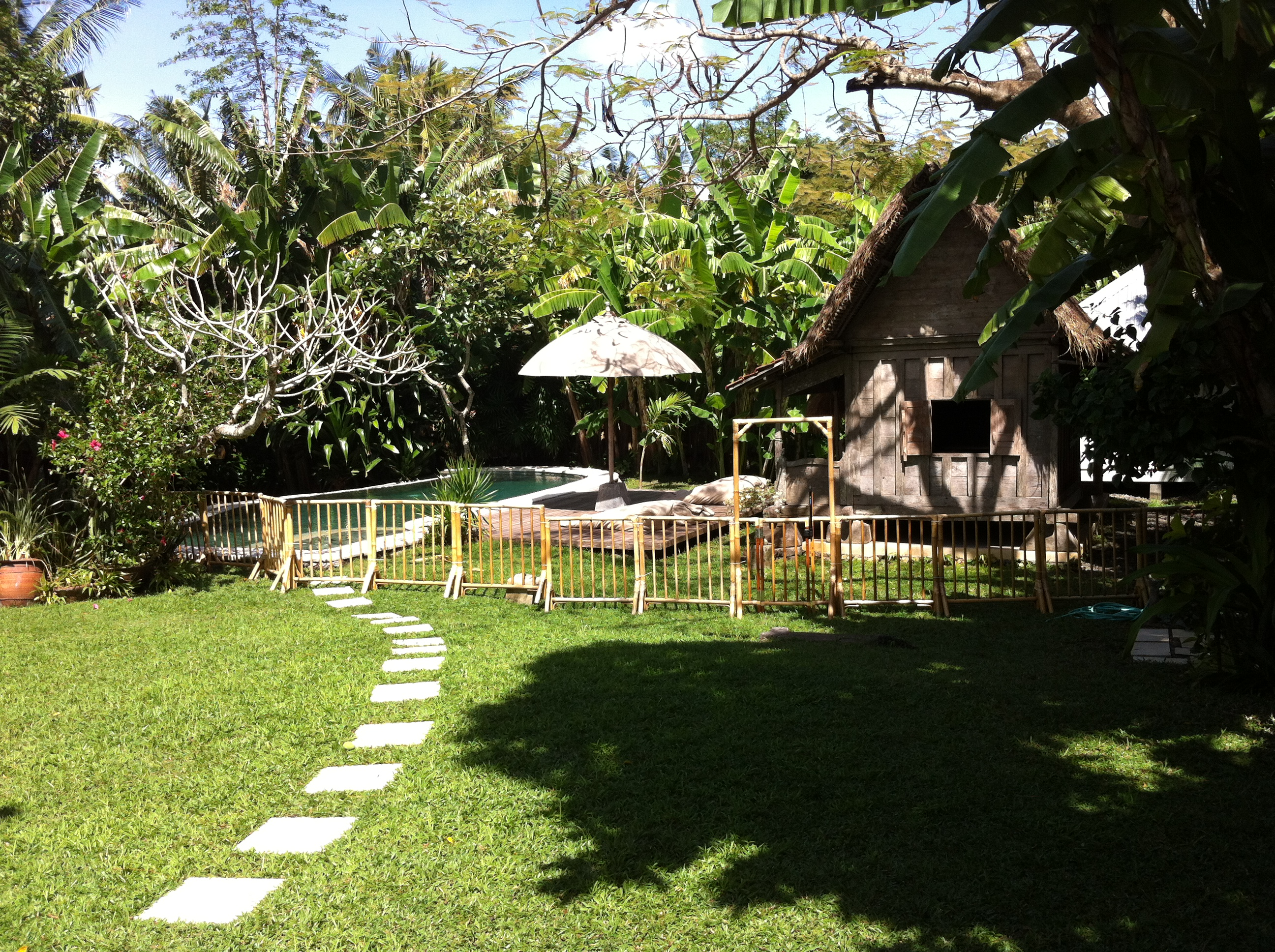 White House Bali Pool Fence Hire